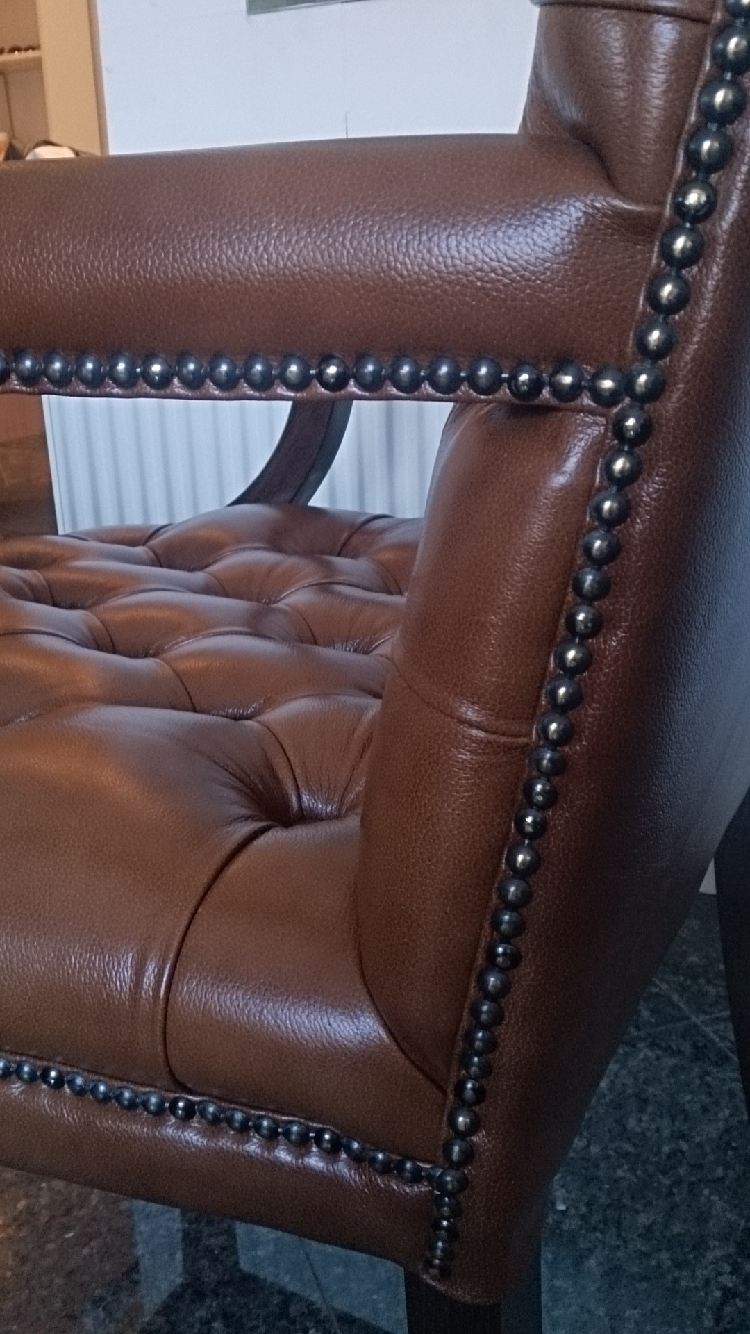 Chesterfield King Armstuhl Antik Gold (S12)