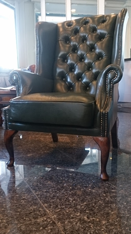 Chesterfield St. James Ohrensessel Antikgrun (A8)